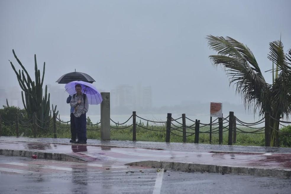 Resultado de imagem para Fim de semana com previsão de chuva, trovoadas no ES