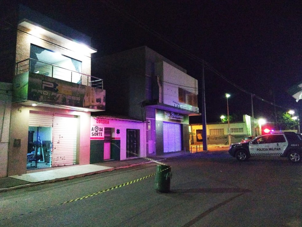 Vítimas foram baleadas por volta das 19h, dentro da academia — Foto: Acson Freitas/Inter TV Cabugi