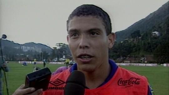 Ronaldo estreia o 'Lendas': início no futsal, ronco na Seleção, lesões e muita bola