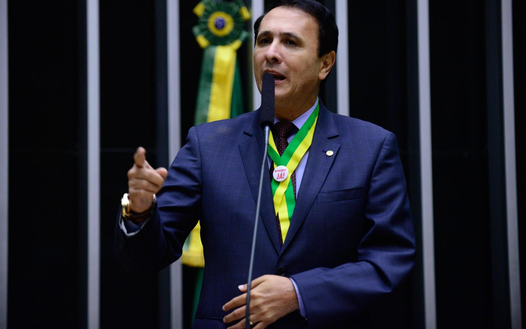 Tribunal mantém condenação do ex-governador Carlos Gaguim a perda de função pública e pagamento de multa