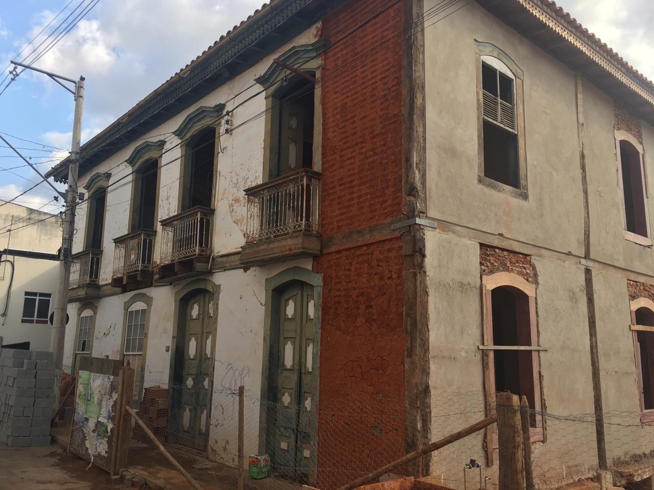 Casarão onde morou padre que incentivou Dom Pedro a declarar a independência é reformado em Pitangui - Notícias - Plantão Diário