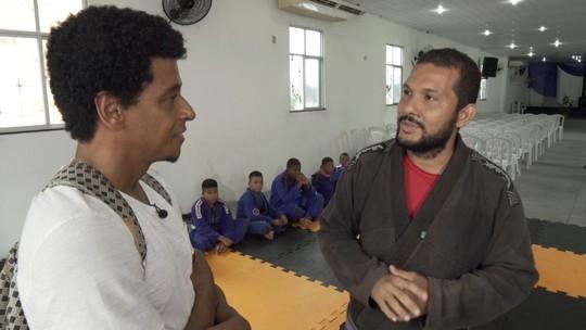 Projeto social promove aulas de ballet e jiu-jitsu em igreja na comunidade de Coutos