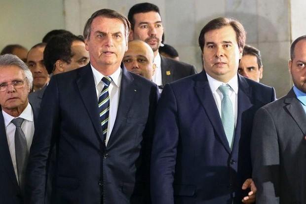 Bolsonaro entregou projeto de lei à Maia hoje na Câmara (Foto: Marcelo Camargo - Agência Brasil )