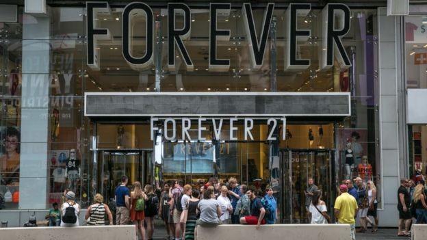 A Forever 21 tem lojas em diversos países do mundo, inclusive no Brasil (Foto: Getty Images via BBC News Brasil)