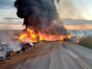 Duas pessoas morrem em acidente na MS 306 (Foto: Reprodução/TV Morena)