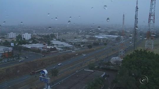 Chuva chega ao noroeste paulista após mais de um mês de estiagem