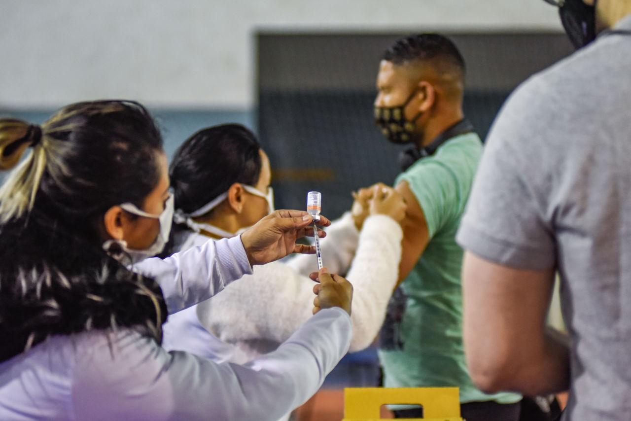 Profissionais da saúde e idosos entre 60 e 65 anos podem agendar 2ª dose da vacina contra Covid em Jundiaí