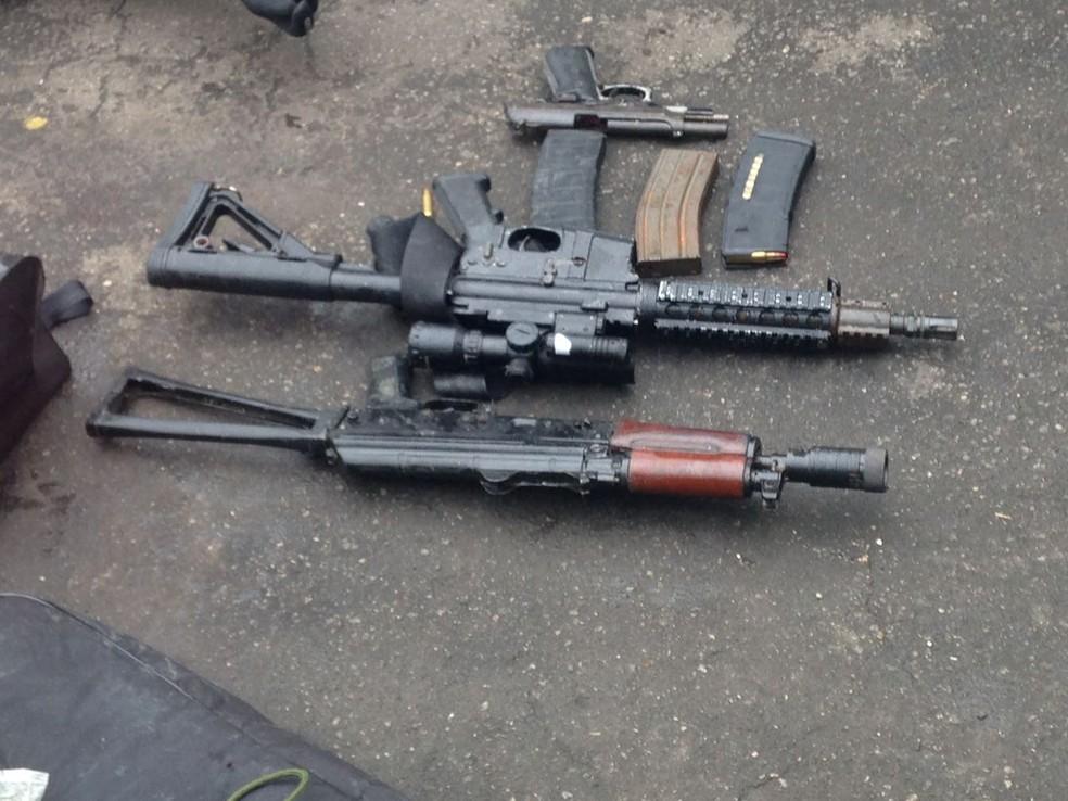 Quadrilha estava com forte armamento (Foto: Polícia Federal)