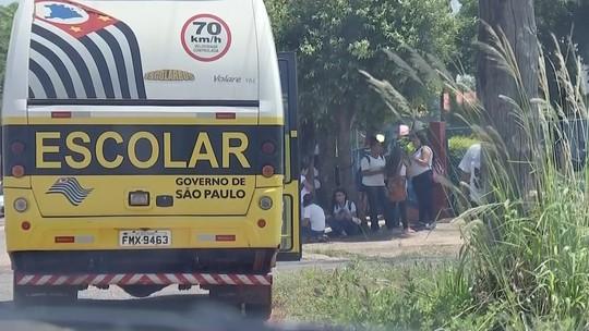 Alunos de escola particular são transportados por ônibus da rede pública; veja o flagrante