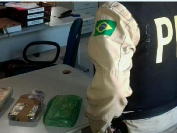 Ônibus fazia o trajeto Fortaleza-Natal. Homem confessou ser o dono da droga (Foto: Reprodução/TV Verdes Mares)