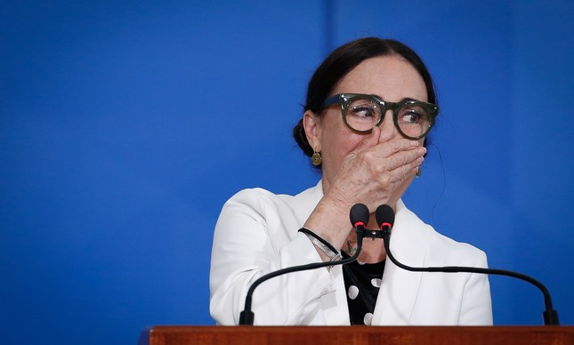 Regina Duarte toma posse como secretária da Cultura do governo Bolosnaro