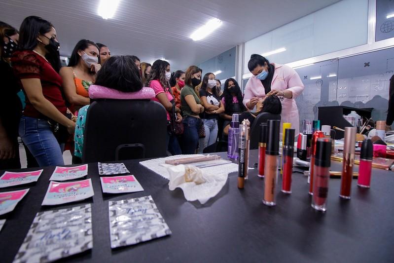 Programa vai financiar R$ 55 milhões em créditos para negócios gerenciados por mulheres de Fortaleza; veja quem pode participar