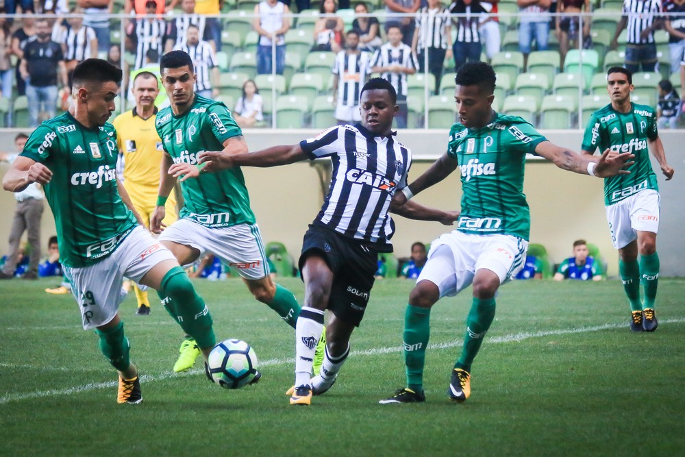 b43174b9c1fea Atuações do Palmeiras  Prass e Dracena se destacam no empate em ...