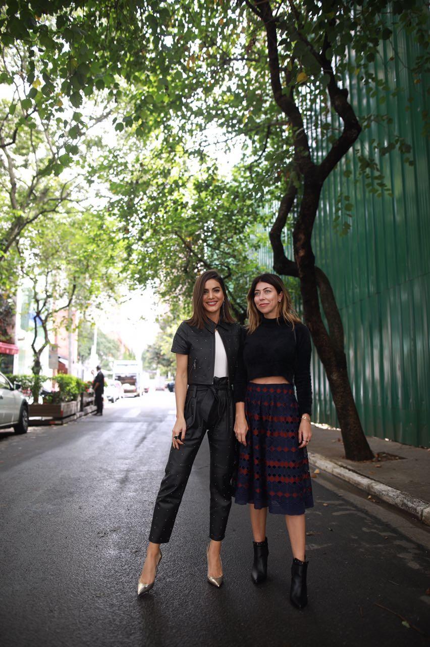 Camila Coelho e Carol Bassi (Foto: Divulgação)