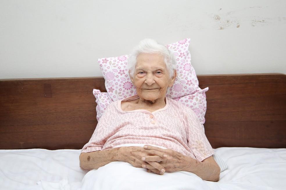 Aos 101 anos, Regina Coelho Guiné venceu a Covid-19 no Maranhão. — Foto: Julyane Galvão/Secretaria de Saúde do Maranhão (SES)