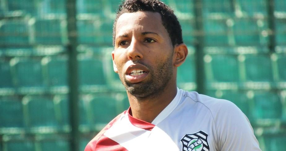 Lembra dele? ABC contrata Vitor Júnior, ex-Inter, Botafogo e Corinthians