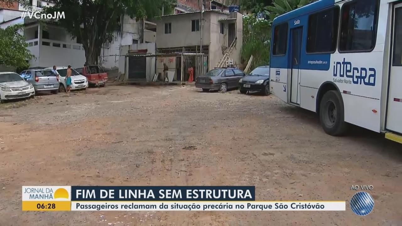 Moradores do Parque São Cristóvão reclamam das más condições do fim de linha dos ônibus