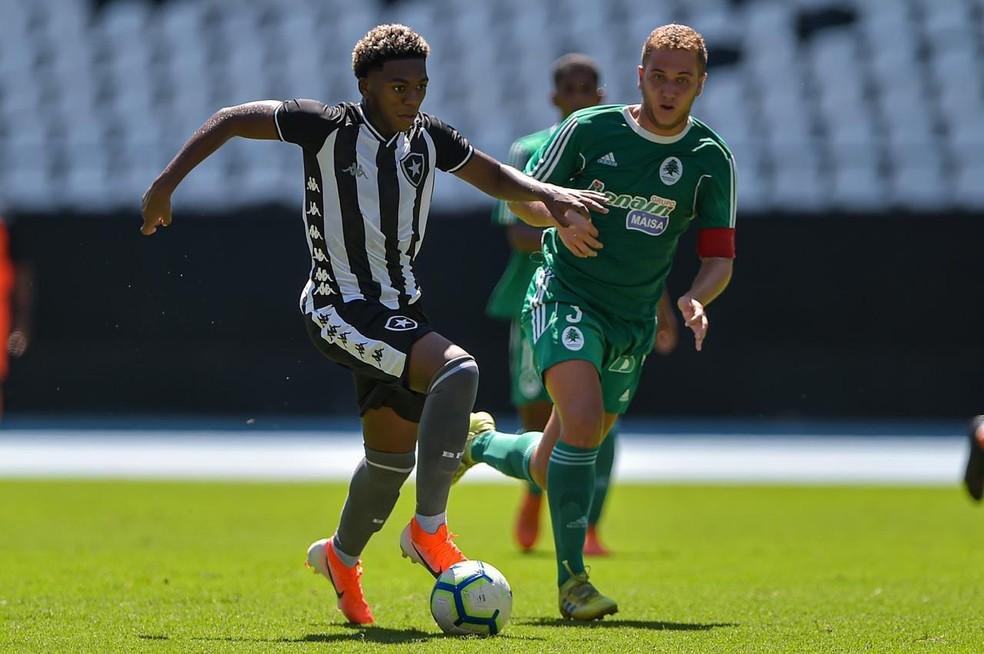Promessa da base, João Vitor Fubá deixa o Botafogo  — Foto: Vitor Silva/Botafogo
