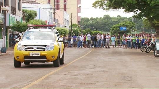 Bandidos fazem dois reféns durante assalto em São Pedro do Ivaí