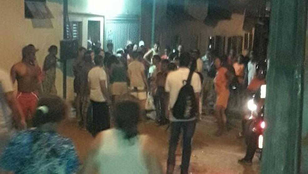 Suspeitos foram baleados na região da feirinha (Foto: Divulgação)