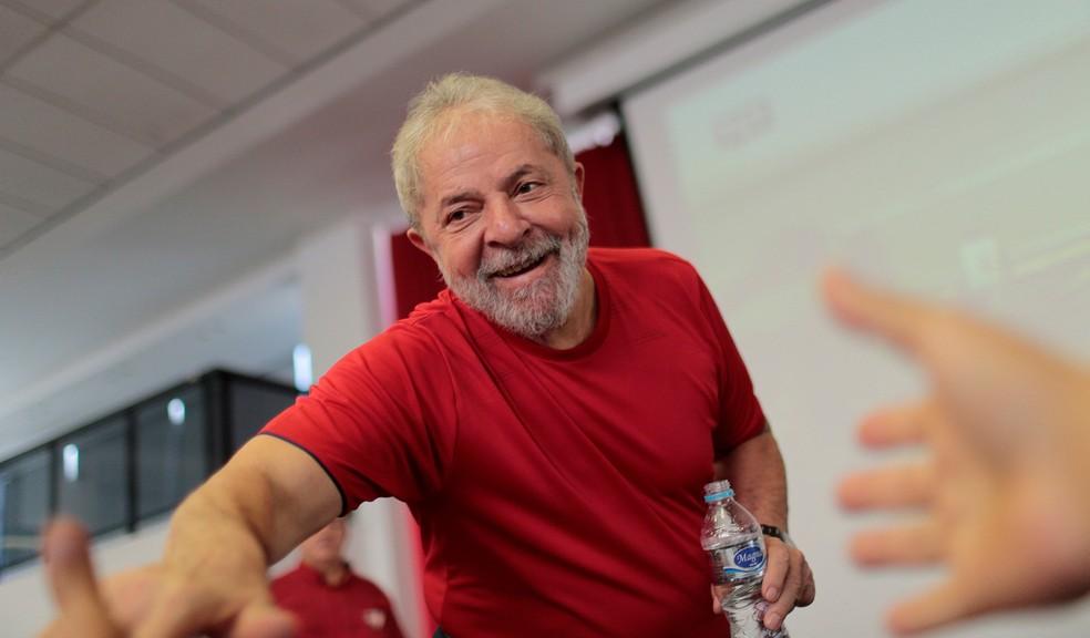 O ex-presidente Luiz Inácio Lula da Silva, em imagem do último dia 24, após chegar ao sindicato metalúrgico em São Bernardo do Campo (Foto: Leonardo Benassatto/Reuters)