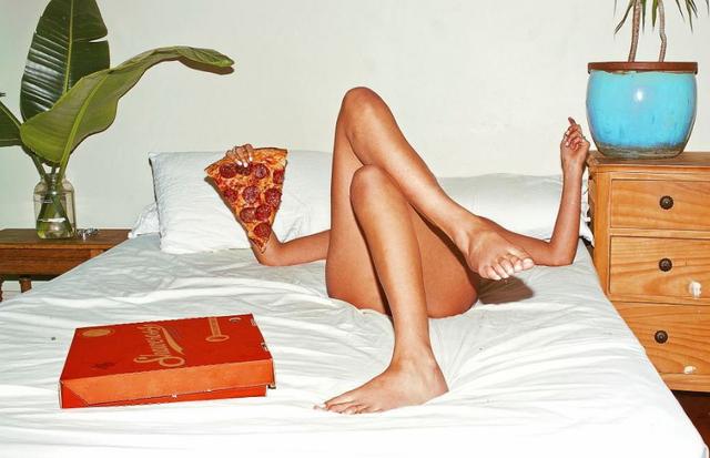 Uma de suas séries mais famosas é a Sex and Take Out, com uma pegada foodporn  (Foto: Divulgação)