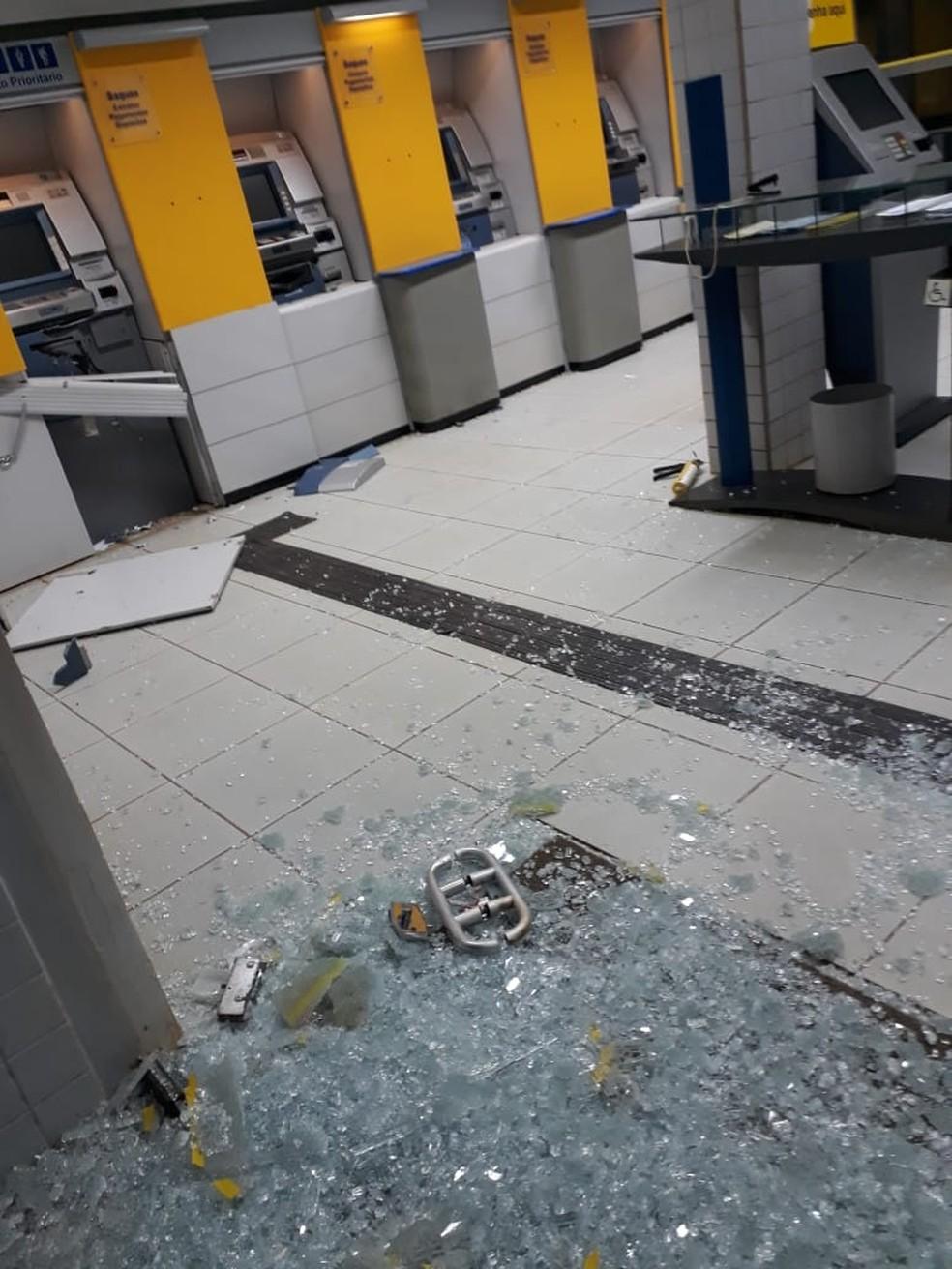 Agências ficaram destruídas após ataque de quadrilha em Denise (Foto: Polícia Militar de MT/Assessoria)