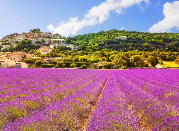 Simiane-la-Rotonde, na França (Foto: Shutterstock/ Reprodução)