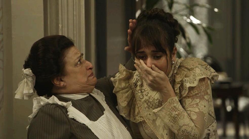 Susana é expulsa da mansão por Julieta (Foto: TV Globo)