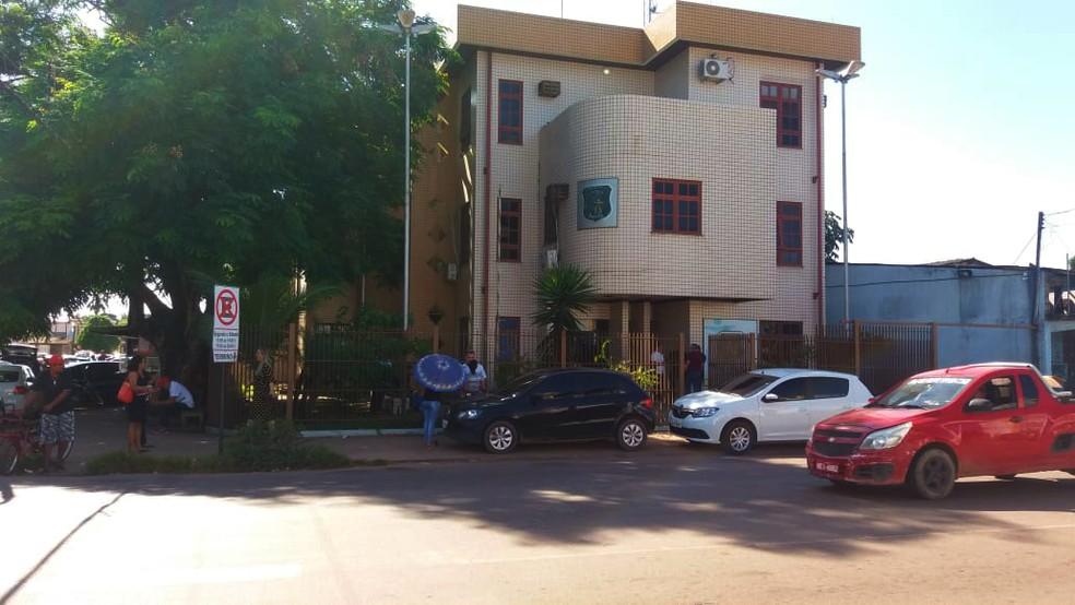 -  Suspeitos foram encaminhados para o Ciosp do Pacoval  Foto: Carlos Alberto Jr/G1