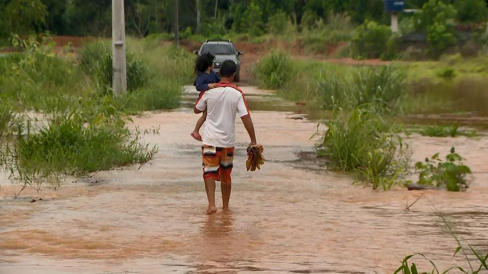 Alagamento em Viana, no Espírito Santo — Foto: Reprodução/ TV Gazeta