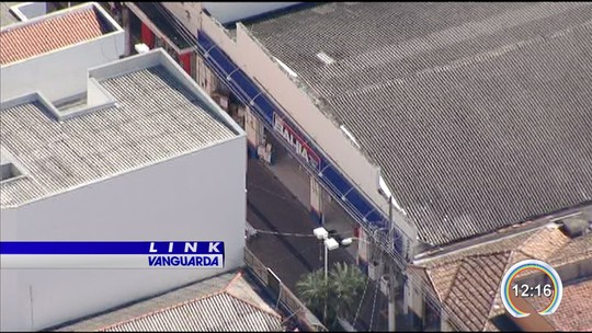 Criminosos invadem e furtam 56 celulares de loja de departamento em Lorena, SP