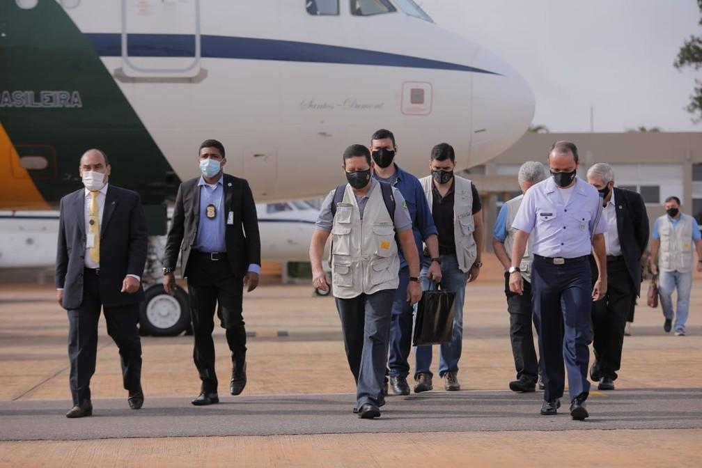 O vice-presidente Hamilton Mourão embarcou em Brasília para uma viagem com embaixadores à Amazônia — Foto: Ascom/Vice-Presidência