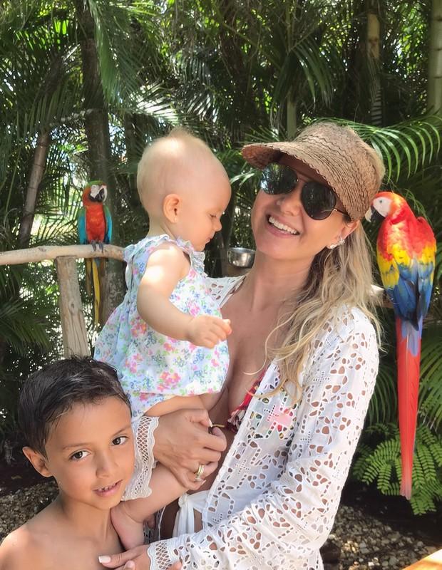 Eliana e filhos (Foto: Reprodução)