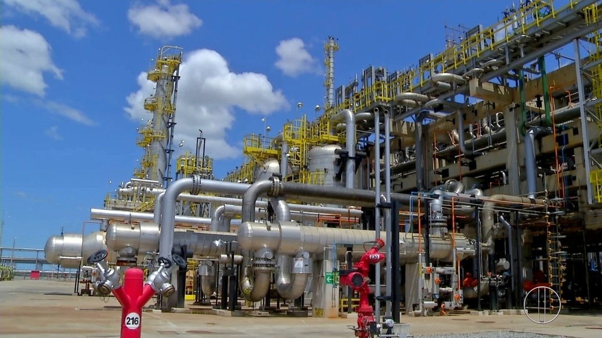 Série 'Petróleo: Riqueza Explorada' fala sobre como é calculado o preço do combustível