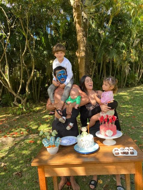 Felipe Simas e a família (Foto: Arquivo pessoal)
