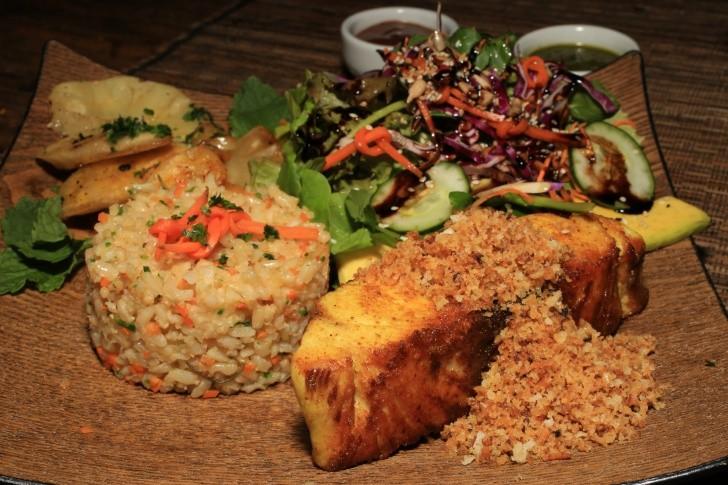 Fernando de Noronha tem espaço para refeição natural