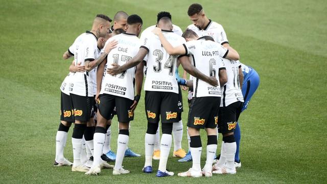 Corinthians antes do jogo contra o Palmeiras