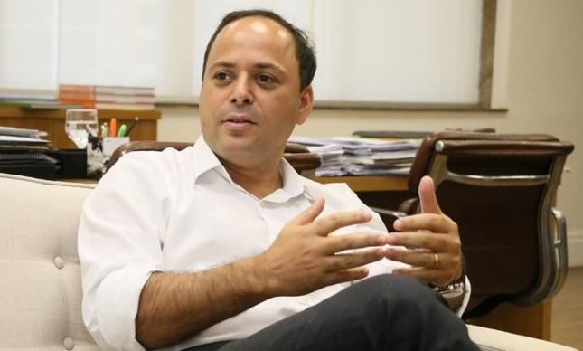 O atual prefeito de Niterói, Rodrigo Neves (PV)