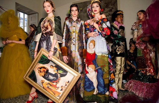 Dolce & Gabbana apresenta sua Alta Moda inspirada no renascentismo
