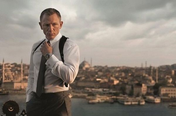 O ator Daniel Craig no papel do espião James Bond (Foto: Reprodução)