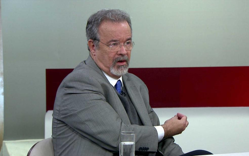 Ministro da Segurança Pública, Raul Jungmann, durante entrevista ao 'Entre Aspas', da GloboNews. (Foto: Reprodução / GloboNews)