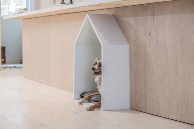 Décor do dia: casinha de cachorro rouba a cena na cozinha (Foto: Divulgação)