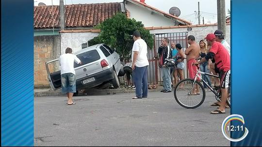 Idoso de 70 anos é atropelado por carro desgovernado na calçada em Pinda