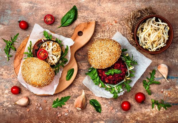 Hambúrguer vegano ; hamburger vegetariano ; (Foto: Thinkstock)