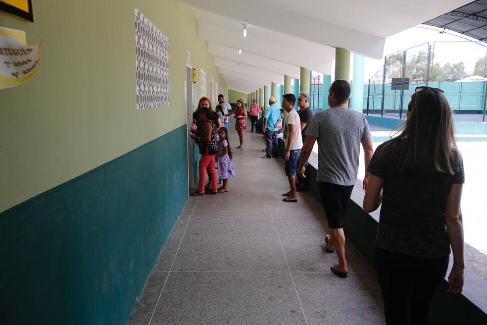 Eleitores foram às urnas para o pleito suplementar da Prefeitura de Tianguá, no Ceará. — Foto: Thiago Gadelha