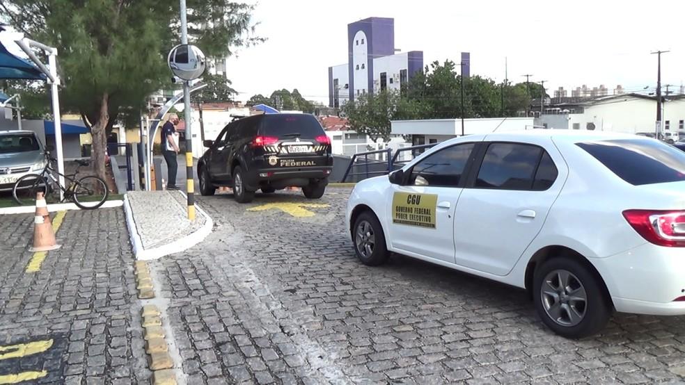 Operação foi deflagrada nesta sexta-feira (30) e tem foco em desvios de dinheiro público em Extremoz, na Grande Natal — Foto: PF/Divulgação