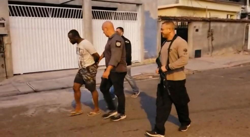 Polícia do RJ cumpre mandados contra suspeitos de violência contra a mulher — Foto: Reprodução / TV Globo
