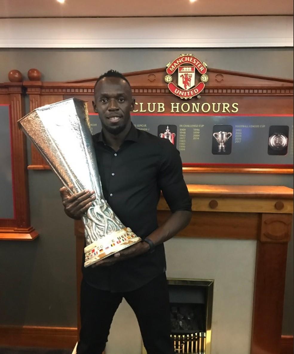 Usain Bolt visita Manchester United  (Foto: Reprodução/Twitter)