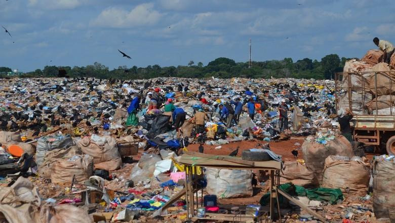 resíduos sólidos (Foto:  Jheniffer Núbia / G1)